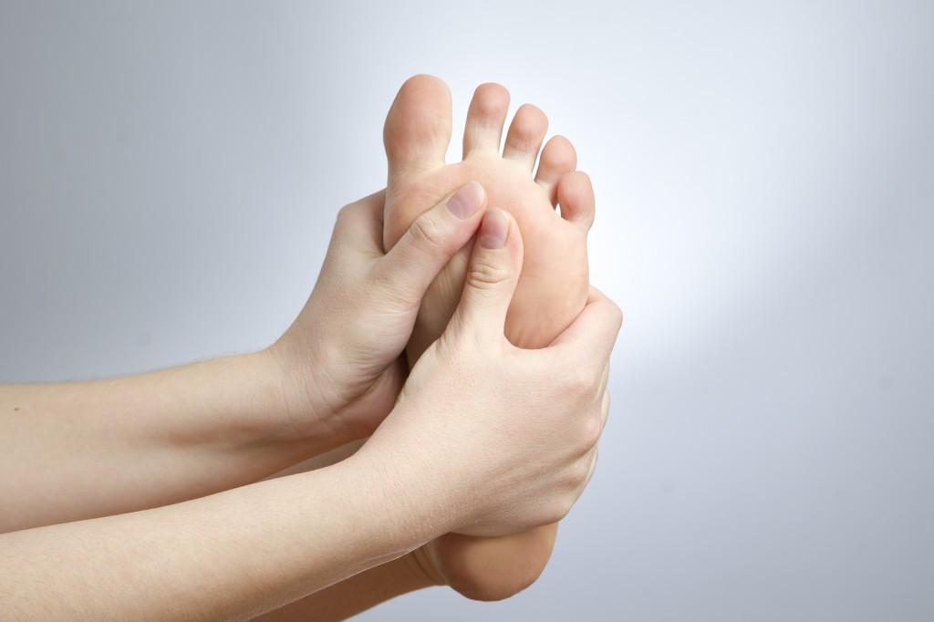 Como aliviar dores nos pés?