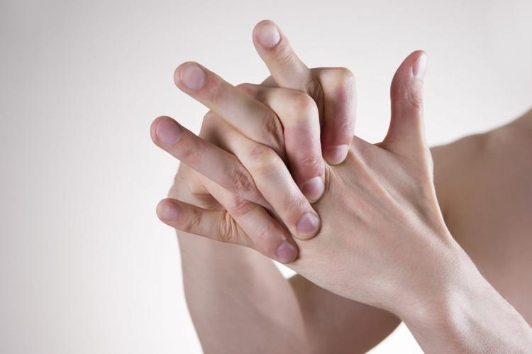 Seguido lombar, estalo na região por intensa alto dor
